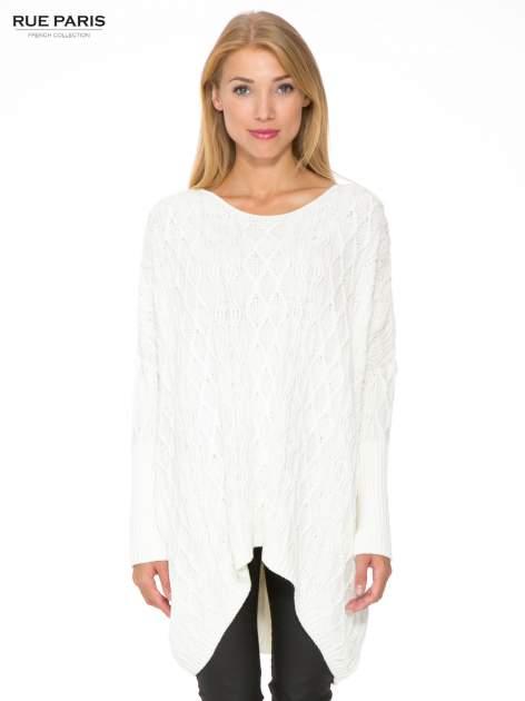Ecru dziergany długi sweter o kroju oversize