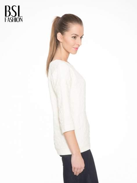 Ecru fakturowana bluza z rękawem 3/4                                  zdj.                                  3