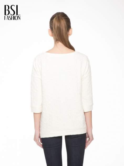 Ecru fakturowana bluza z rękawem 3/4                                  zdj.                                  4
