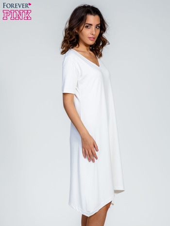 Ecru luźna sukienka z asymetrycznym dołem                                  zdj.                                  3