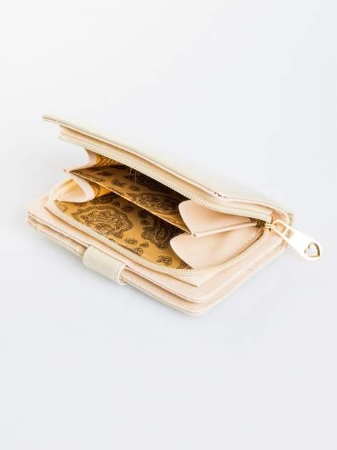 Ecru portfel efekt skóry saffiano                                  zdj.                                  4