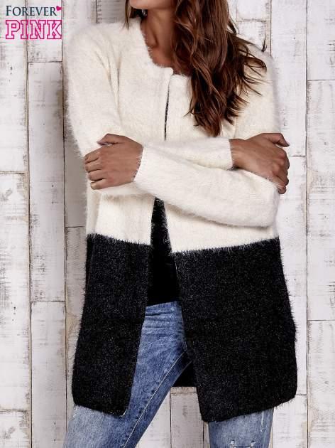 Ecru pudełkowy sweter two tone