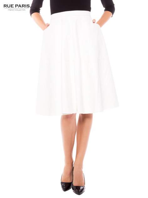 Ecru skórzana spódnica midi szyta z półkola