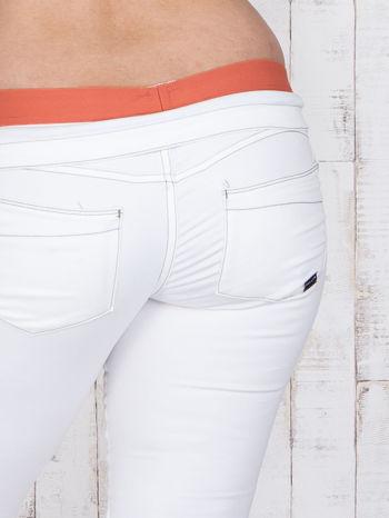 Ecru spodnie z koralową gumką w pasie PLUS SIZE                                  zdj.                                  5