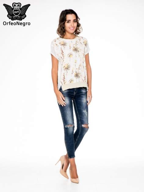 Ecru t-shirt w kwiaty z łączonych materiałów                                  zdj.                                  2