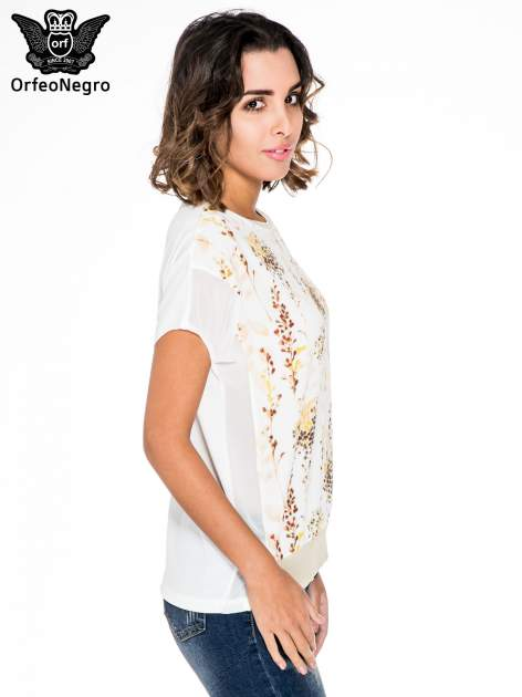 Ecru t-shirt w kwiaty z łączonych materiałów                                  zdj.                                  3