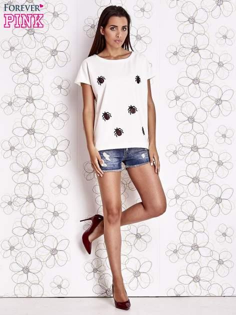 Ecru t-shirt z aplikacją owadów                                  zdj.                                  2