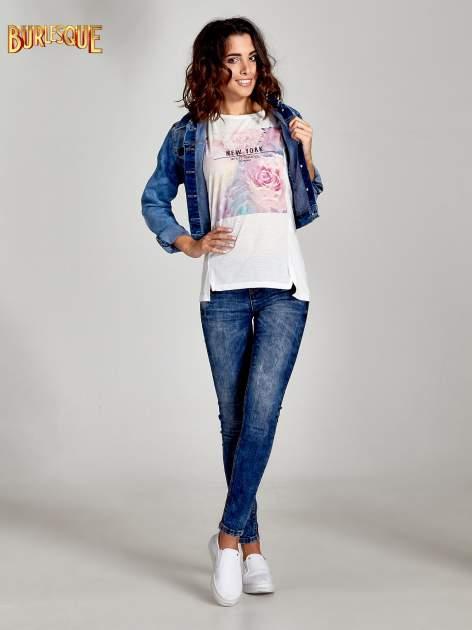Ecru t-shirt z nadrukiem kwiatowym i napisem NEW YORK                                  zdj.                                  2