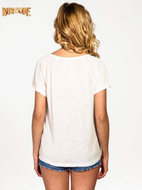 Ecru t-shirt z napisem A SUNDAY                                  zdj.                                  3