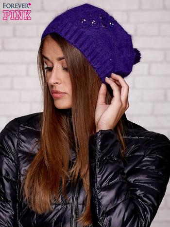 Fioletowa czapka z angory z aplikacją                                  zdj.                                  3
