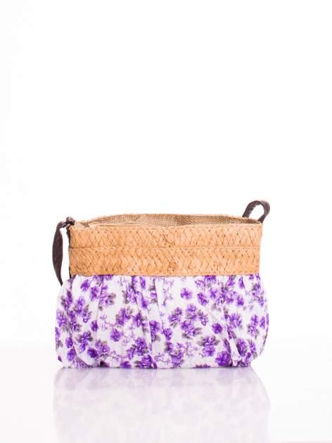 Fioletowa listonoszka w kwiaty ze słomkową górą
