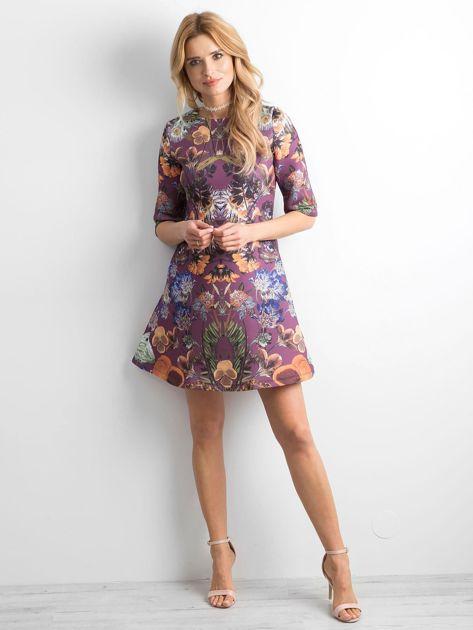 Fioletowa rozkloszowana sukienka we wzory                              zdj.                              4