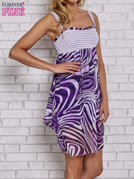 Fioletowa sukienka przed kolano na cienkich ramiączkach                                  zdj.                                  3