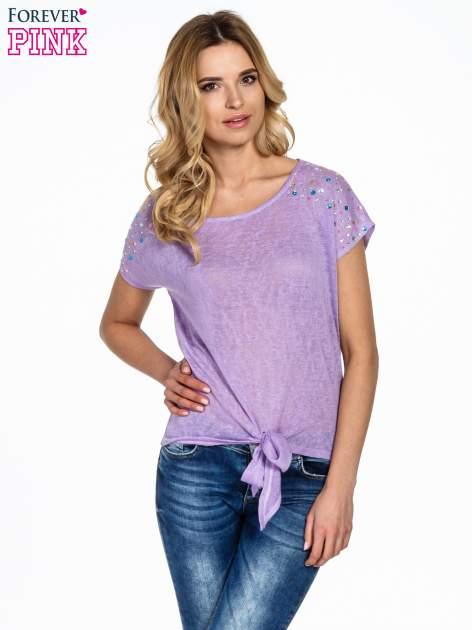 Fioletowy t-shirt z węzłem zdobiony kryształkami