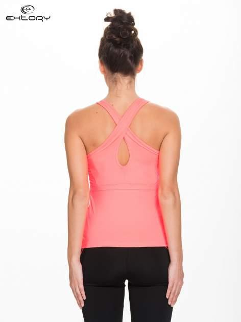 Fluokoralowy top sportowy z krzyżowanymi ramiączkami na plecach                                  zdj.                                  3