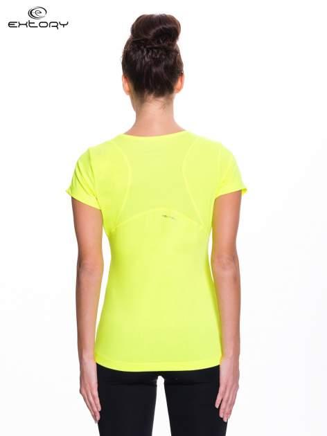 Fluożółty t-shirt sportowy z kieszonką na suwak PLUS SIZE                                  zdj.                                  4