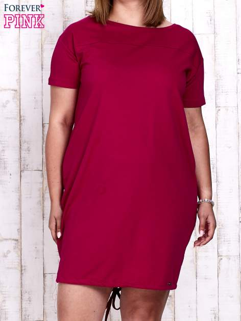 Fuksjowa sukienka dresowa ze ściągaczem na dole