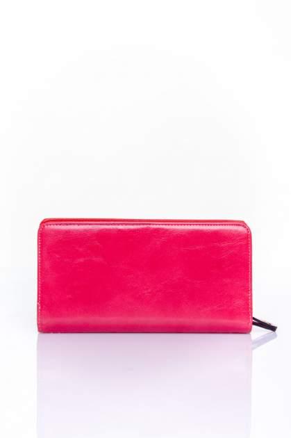 Fuksjowy pikowany portfel z kwiatowym tłoczeniem                                  zdj.                                  2