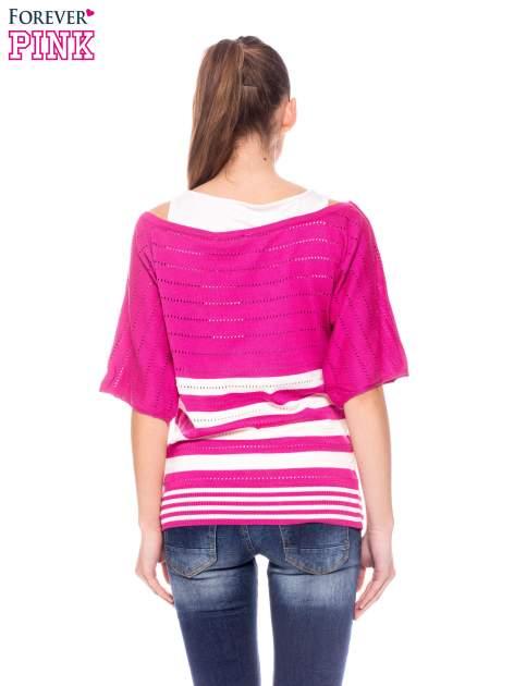 Fuksjowy sweter w paski z szerokim dekoltem                                  zdj.                                  4