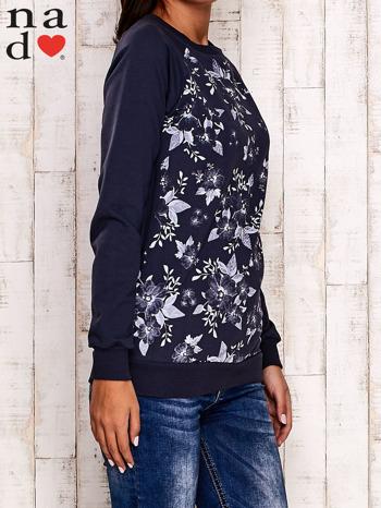 Grafitowa bluza z kwiatowym nadrukiem                                  zdj.                                  3