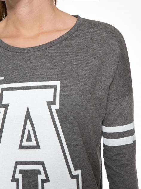 Grafitowa dresowa bluza z literą A w stylu baseballowym                                  zdj.                                  4
