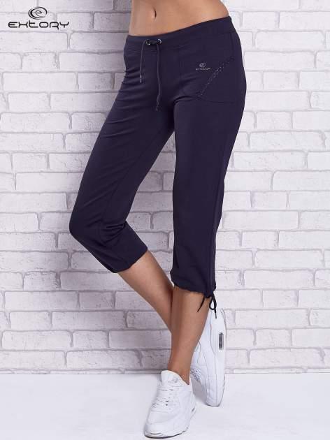 Grafitowe spodnie capri z prostymi nogawkami                                  zdj.                                  1