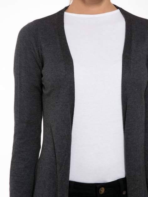 Grafitowy długi gładki sweter kardigan z kieszeniami                                  zdj.                                  5