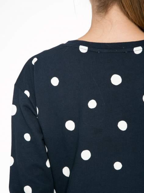 Granatowa bluza w grochy z napisem IN THE SPOTLIGHT                                  zdj.                                  9