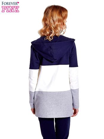 Granatowa bluza w szerokie kolorowe pasy                                  zdj.                                  4