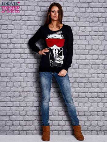 Granatowa bluza z komiksowym nadrukiem                              zdj.                              4