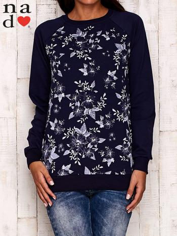 Granatowa bluza z kwiatowym nadrukiem