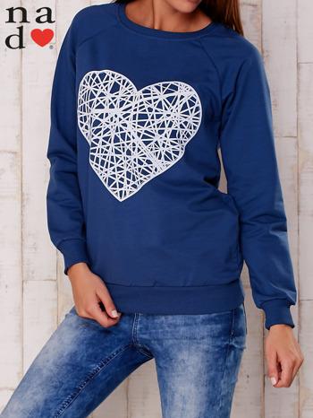 Granatowa bluza z nadrukiem serca                                  zdj.                                  1