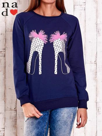 Granatowa bluza z nadrukiem szpilek                                  zdj.                                  1