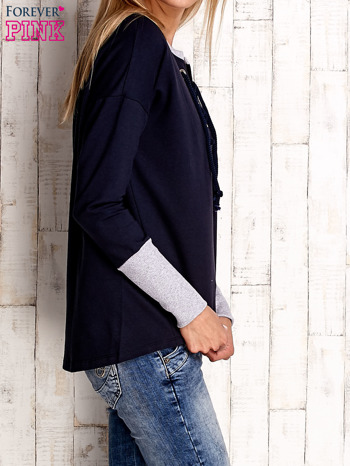 Granatowa bluza z wiązaniem i szerokim ściągaczem                                  zdj.                                  3