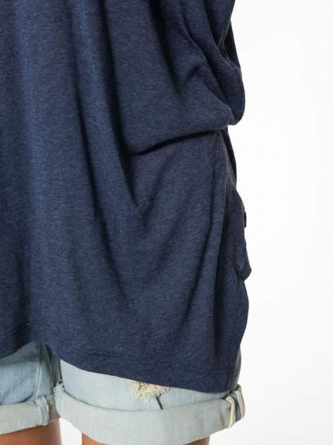 Granatowa bluzka z asymetrycznym cięciem na dole                                  zdj.                                  10