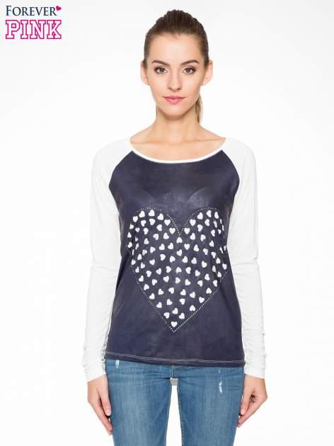 Granatowa bluzka z motywem serca i reglanowymi rękawami                                  zdj.                                  1