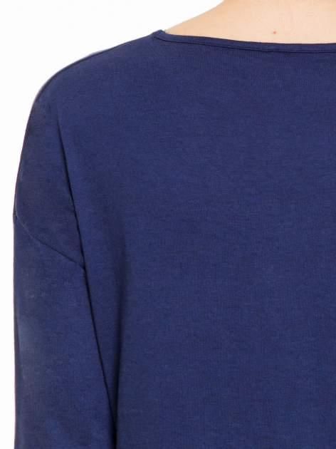 Granatowa gładka bluzka z luźnymi rękawami 3/4                                  zdj.                                  5