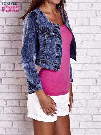 Granatowa jeansowa kurtka z kieszeniami i dekatyzacją                                  zdj.                                  3