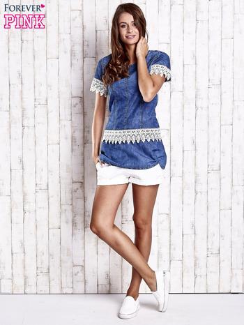 Granatowa jeansowa tunika z koronkowym wykończeniem                                  zdj.                                  4