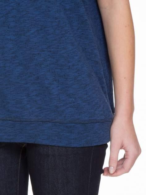 Granatowa melanżowa bluzka z wywijanymi rękawkami                                  zdj.                                  8