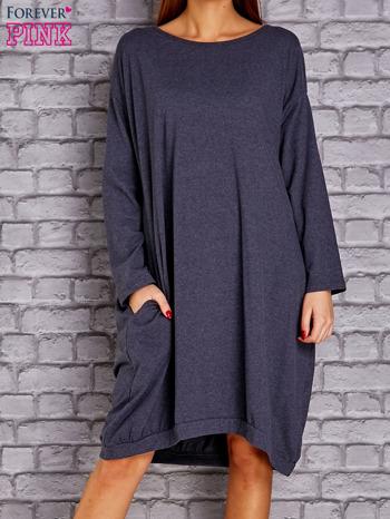Granatowa melanżowa dresowa sukienka oversize z kieszeniami                                  zdj.                                  1