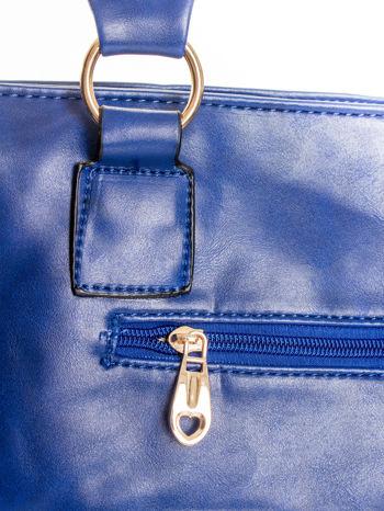 Granatowa pikowana torba na ramię                                  zdj.                                  7