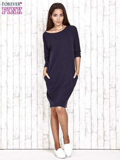 Granatowa prosta sukienka dresowa                                  zdj.                                  2