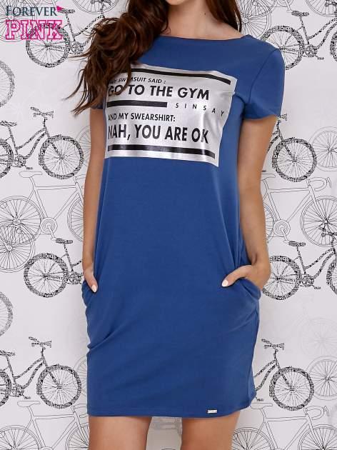 Granatowa sukienka dresowa z napisem GO TO THE GYM