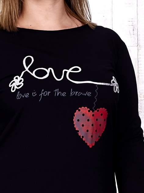 Granatowa sukienka dresowa z napisem LOVE PLUS SIZE                                  zdj.                                  5