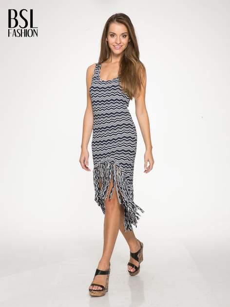 Granatowa sukienka we wzór zig-zag z frędzlami na dole                                  zdj.                                  5