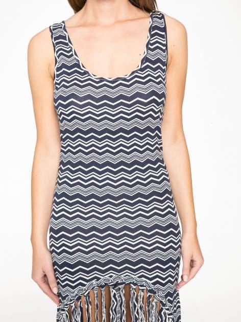 Granatowa sukienka we wzór zig-zag z frędzlami na dole                                  zdj.                                  11