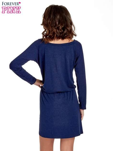 Granatowa sukienka z rozcięciem                                  zdj.                                  4