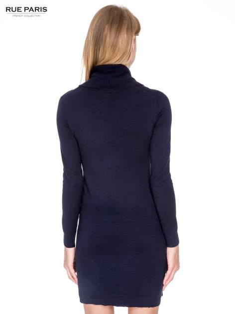 Granatowa swetrowa sukienka z golfem                                  zdj.                                  4