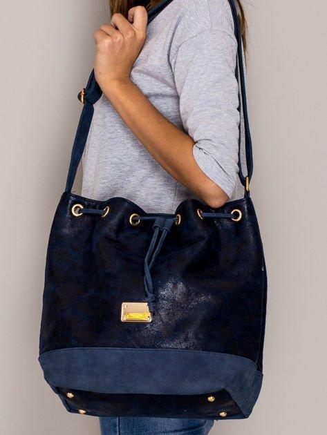 Granatowa torba ze ściągaczem                                  zdj.                                  4